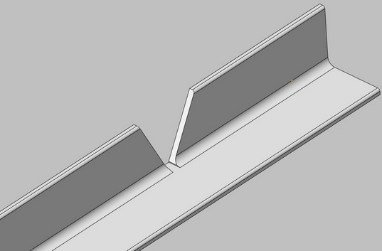 Чтобы получить угол между спинкой и сиденьем в 120 градусов, нужно вырезать треугольник с 60-градусной вершиной.