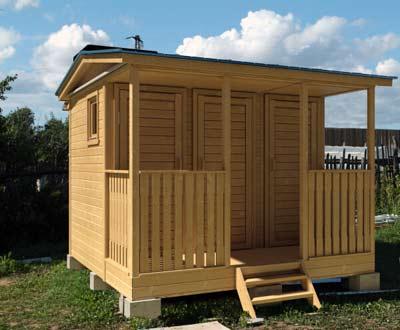 Деревянный душ – красивое и удобное сооружение