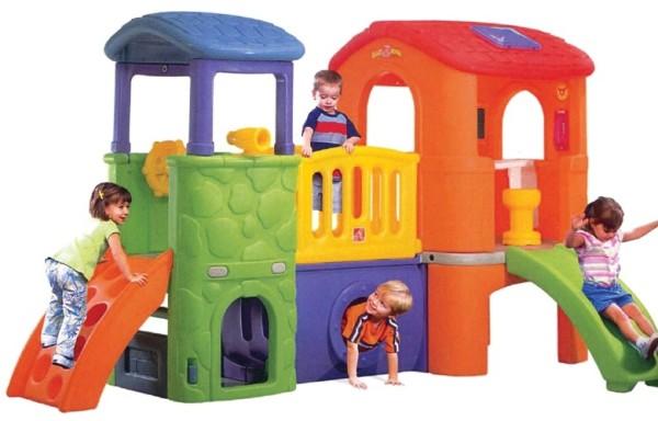 Детские пластиковые городки для дачи – красиво, удобно, но дорого!