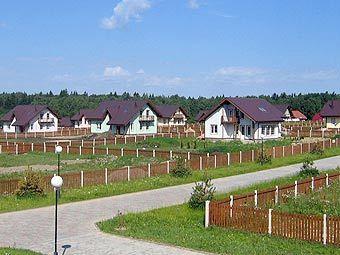ДНП предполагает строительство дачных поселков с современными коттеджами и всей необходимой инженерной инфраструктурой.