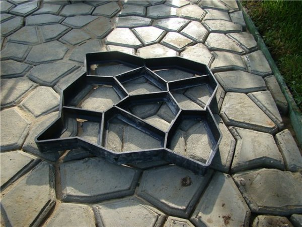 Форма для отливки бетонных блоков.