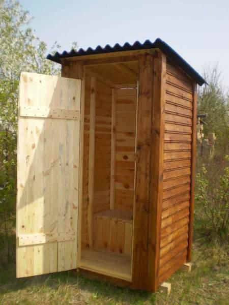 Фото дачного туалета из дерева