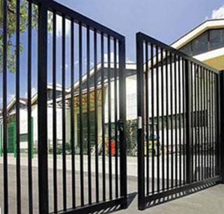 Фото решётчатых ворот из стали