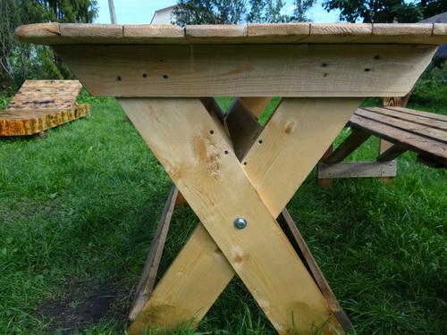 Стол на даче из дерева своими руками 61