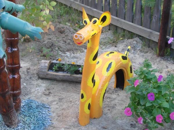 Готовый весёлый жираф