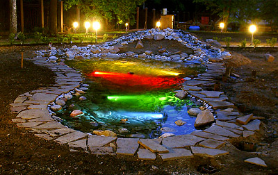 Грамотная подсветка позволяет создавать необычайно красивые композиции