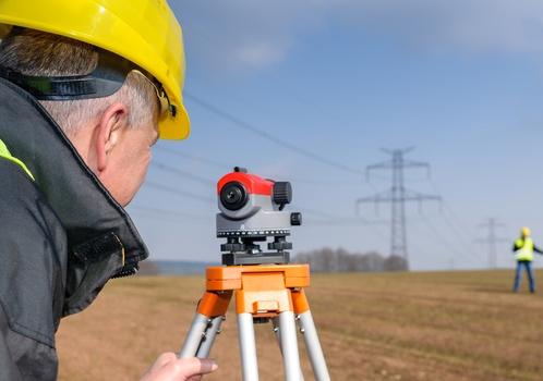 Измерительные приборы помогут провести точную межу между соседями