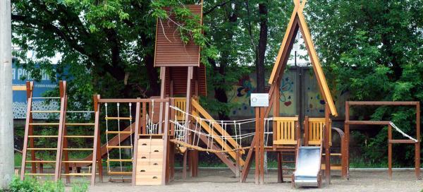 Как сделать детские городки для дачи самому?