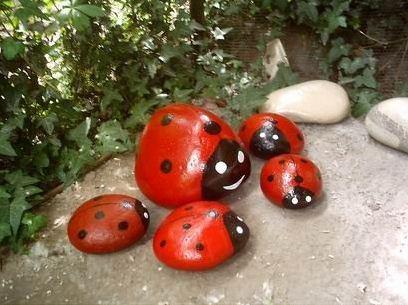 Камни в качестве декора