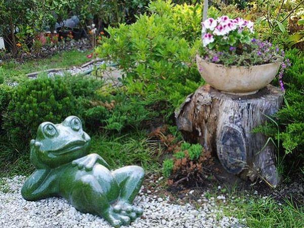 Керамическая статуэтка лягушки