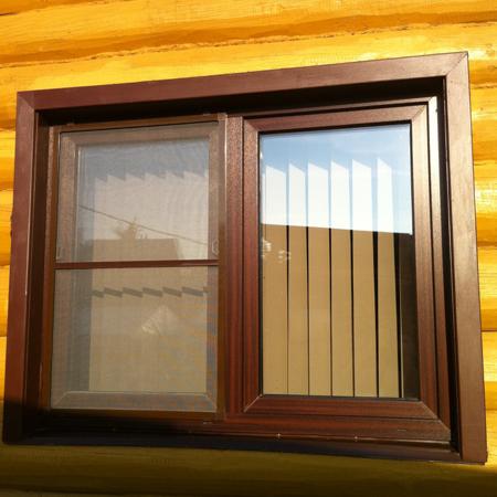 Ламинирование придает окну практически полное сходство с деревянным