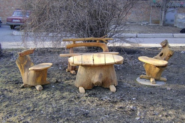 Мебель из пней.