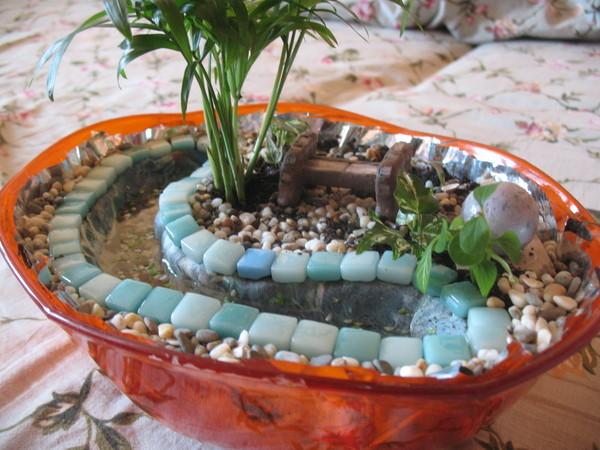 Мини каменный сад вы можете установить в любом месте