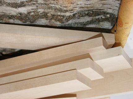 На фото - шпунтованная доска, которую можно применить для изготовления сборных столешниц