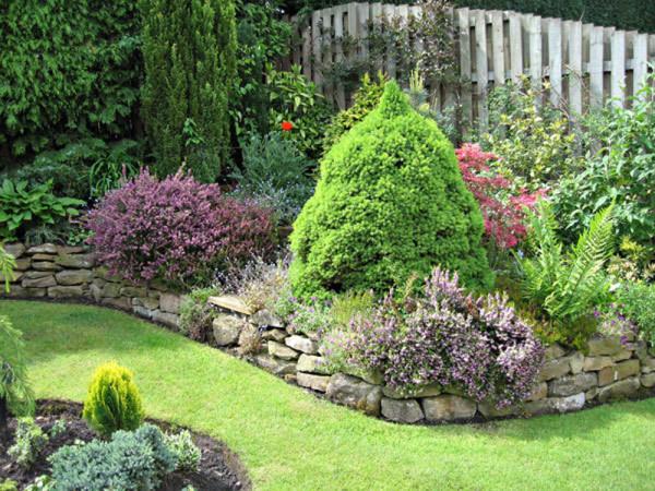 На фото демонстрируется сад после преображения.