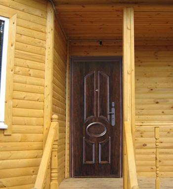 Надежная входная дверь на дачу