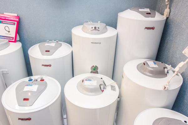 Объем водонагревателя необходимо выбирать в соответствии с количеством человек, которые обычно присутствуют на даче