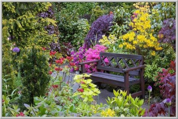 Облагородив территорию сада, вы будете чувствовать себя в нем как в райском уголке