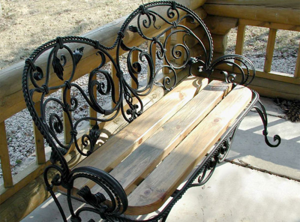 Оригинальная кованая скамья