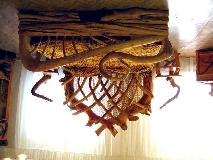 Оригинальное решение для дачной спальни
