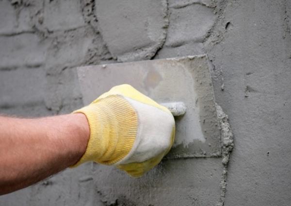 Оштукатуривание стен.