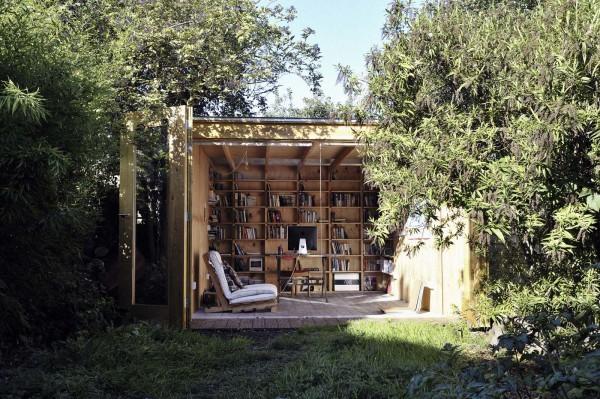 Павильон в качестве уютного кабинета на природе.