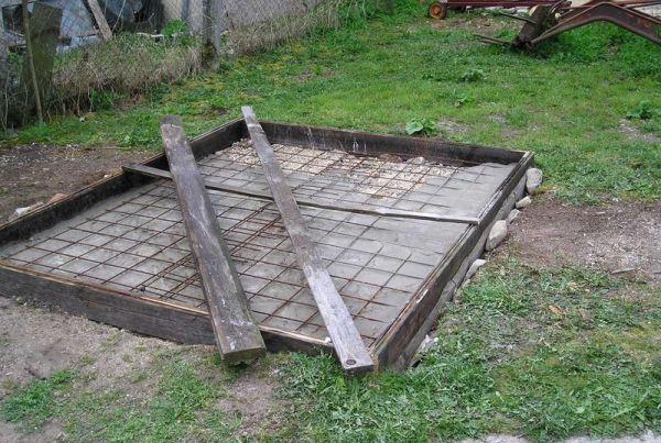 Плитный фундамент для курятника