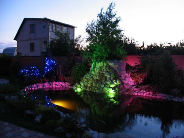 Разноцветное освещение создаст атмосферу сказки