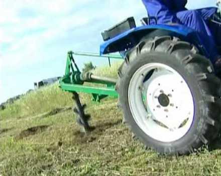 Садовый тракторный бур позволит обеспечить участок собственным источником