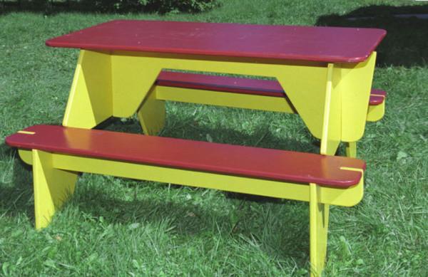 Самодельная садовая мебель из фанеры.