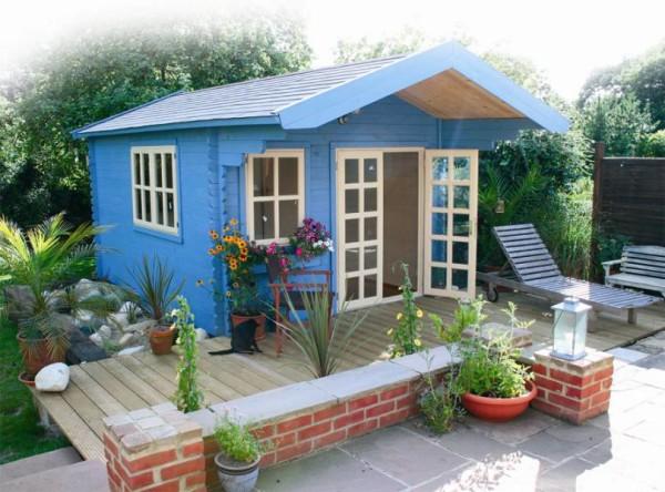 Сборно-разборный домик, предназначенный для летнего проживания на загородном участке.