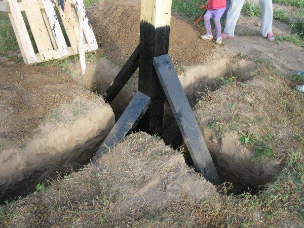 Столб под электричество на даче своими руками