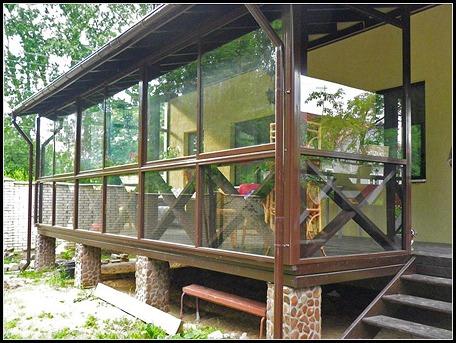 Строим веранду на даче своими руками – это просто и недорого.