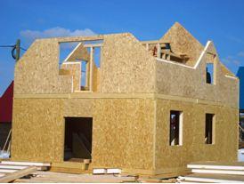 Строительство из сип-панелей не требует сооружения каркаса.