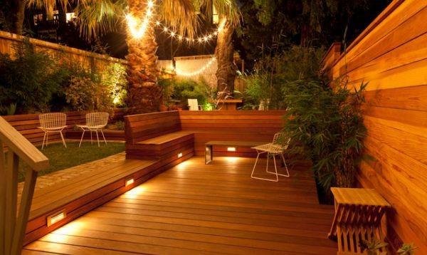 Уличный свет на даче способен создать атмосферу уюта