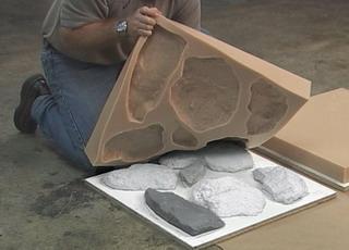 Вы можете сделать искусственные камни для сада своими руками