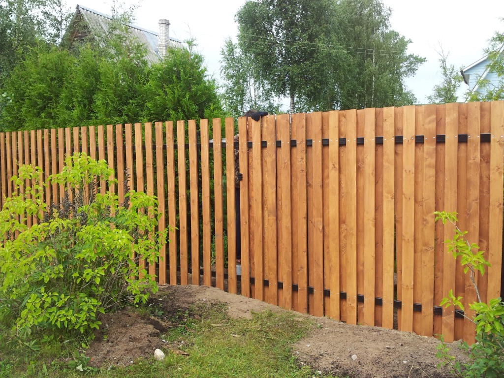 Забор для дачи из штакетника своими руками