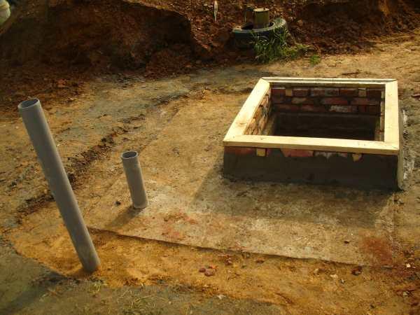 Бетонное перекрытие погреба с люком (лазом)