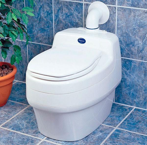 Для удаления отходов в дачных туалетах лучше устанавливать насосы, которые предотвращают образование засоров