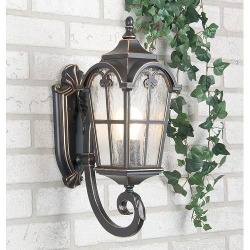 Электрический осветительный фонарь настенного типа