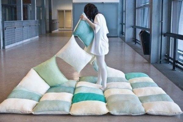 Одеяло для пикников из подушек