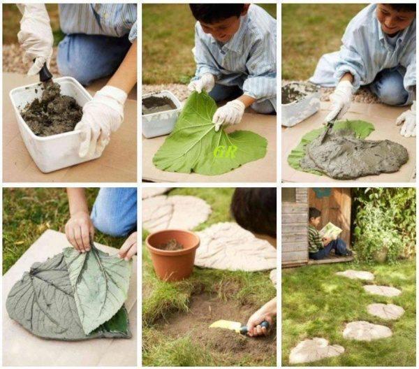 Изготовление цементной дорожки с помощью листьев