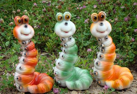 foto-simpatichnyh-gipsovyh-gusenits Поделки из гипса для сада (36 фото): видео-инструкция как сделать своими руками, особенности игрушек, скульптур, фото