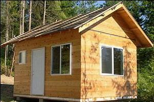 Каркасный дом на загородном участке, готовый к эксплуатации