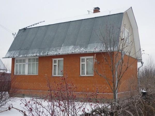 Классический дизайн строения для постоянного проживания на даче.