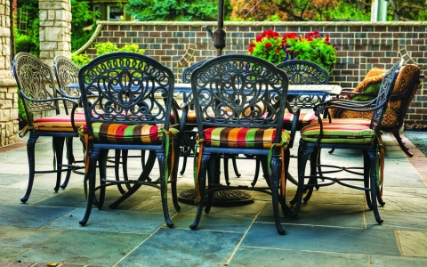 Кованая мебель – вариант для ценителей