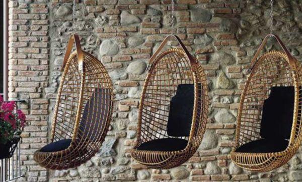 Можно сделать плетеное садовое подвесное кресло своими руками
