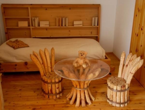 На фото - отделка помещения и мебель из экологически чистых и безопасных материалов