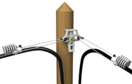 На фото – воздушный способ прокладки кабеля