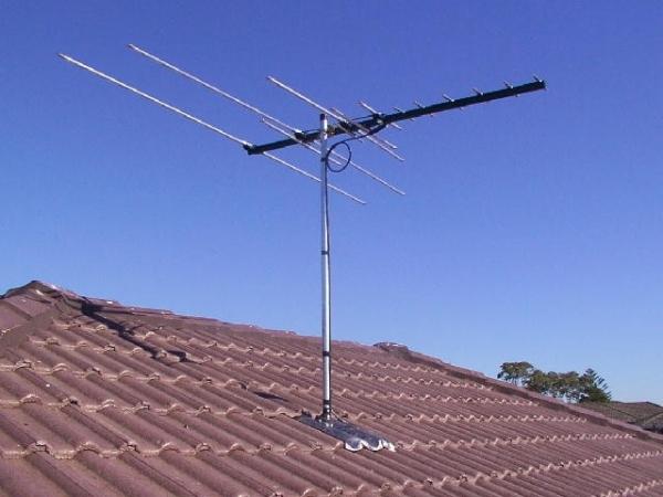 На фото отображена покупная антенна.